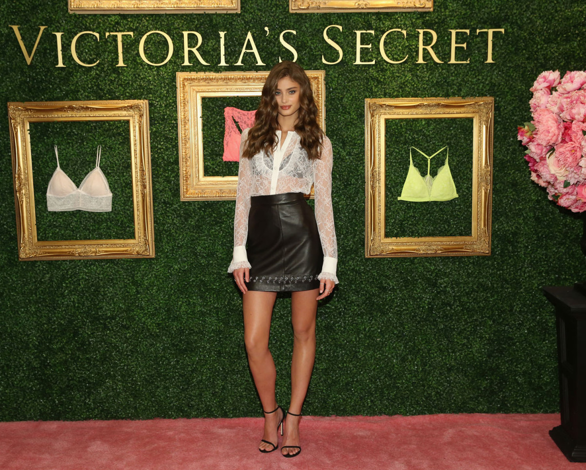"""""""NEW YORK, NEW YORK - APRIL 12: Victoria's Secret Angel Taylor Hill hosts global media live stream to reveal Bralette Collection & launch multi-city tour at Victoria's Secret Herald Square on April 12, 2016 in New York City (Photo by Cindy Ord/Getty Images for Victoria's Secret)"""""""