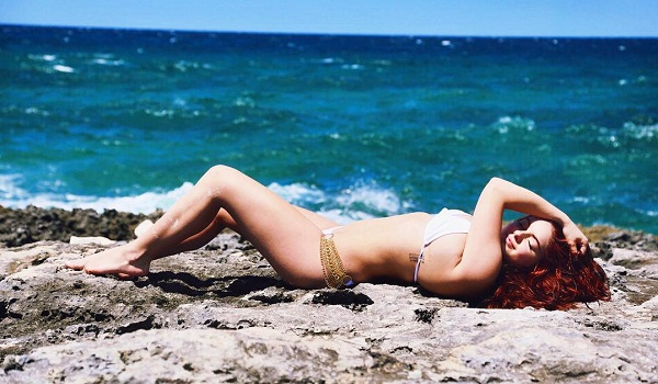 Ariel Winter Hot Photos