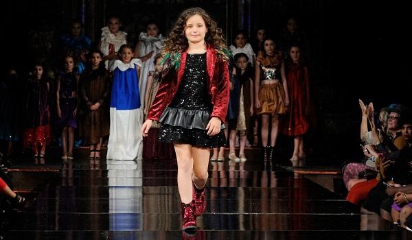 Alycesaundral at New York Fashion Week NYFW Art Hearts Fashion SS/18