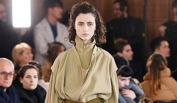 Paris Fashion Week - Lemaire Runway Show Fall Winter 2018 Womenswear