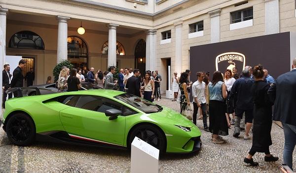 Collezione Automobili Lamborghini presents the 2019 Spring Summer Collection