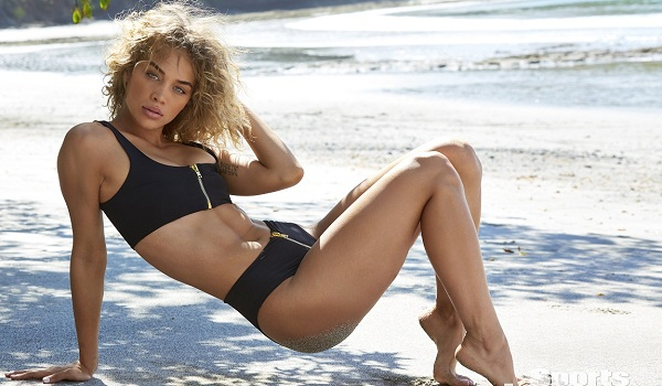 Jasmine Sanders has been named Sports Illustrated 2019 Rookie of the Year!