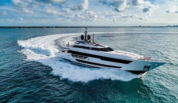 CUSTOM LINE 120' ALSO RECEIVES A PRIZE IN AMERICA