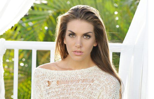 Miss Universe Argentina 2014 – Valentina Ferrer