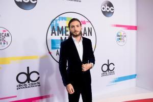 2017 AMERICAN MUSIC AWARDS - Red Carpet 15