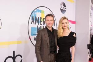 2017 AMERICAN MUSIC AWARDS - Red Carpet 23