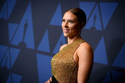 Scarlett_Johansson_attends_the_Academy's_2019_Annual_Governors_Awards