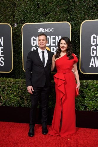 Peter Krause and Lauren Graham arrive at the 77th Annual Golden Globe Awards at the Beverly Hilton in Beverly Hills, CA on Sunday, January 5, 2020.