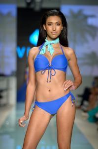Art Hearts Fashion Swimwear FS17 45