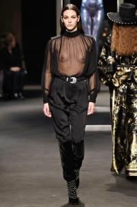 Alberta Ferretti Fall Winter 2018 Runway Show Milan Fashion Week 49
