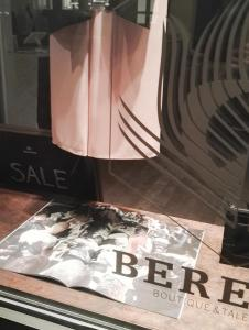 BERENIK BOUTIQUE NYJULY 170004