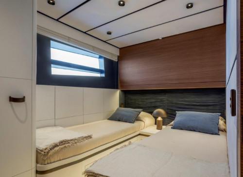 Evo V8 Guest-Cabin