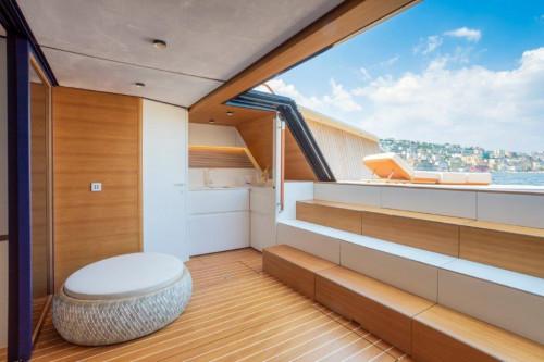 Evo V8 Lounge