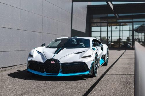 BUGATTI DIVO – DELIVERY TO CUSTOMERS BEGINS