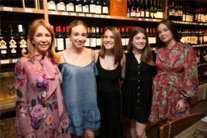 Lizzie Padro, Natalia Sanchez, Natalia Gomez, Jacqueline Castellanos, Gaby Beyer3