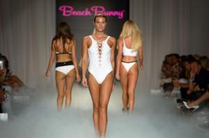 Beach Bunny 0705772 X3