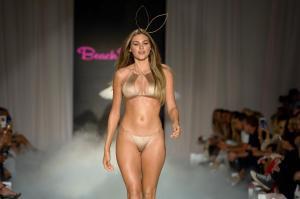 Beach Bunny 0705970 X3