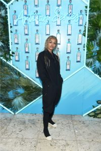 9th ANNUAL BOMBAY SAPPHIRE ARTISAN SERIES FINALE PARTY-3 23