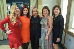 Ani Hernandez, Nelsie Parada, Silvia Trinidad, Mayra Betancourt, Elvira Pupo