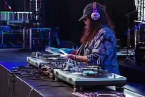 Vickki Acuna, Coachella 2019 Weekend 2, Friday, Mojave Tent