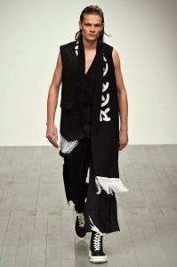 D.GNAK Menswear London Fashion Week Fall Winter 2018 35