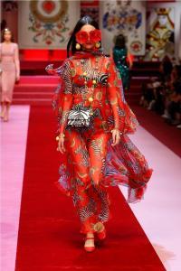 Dolce Gabbana 32