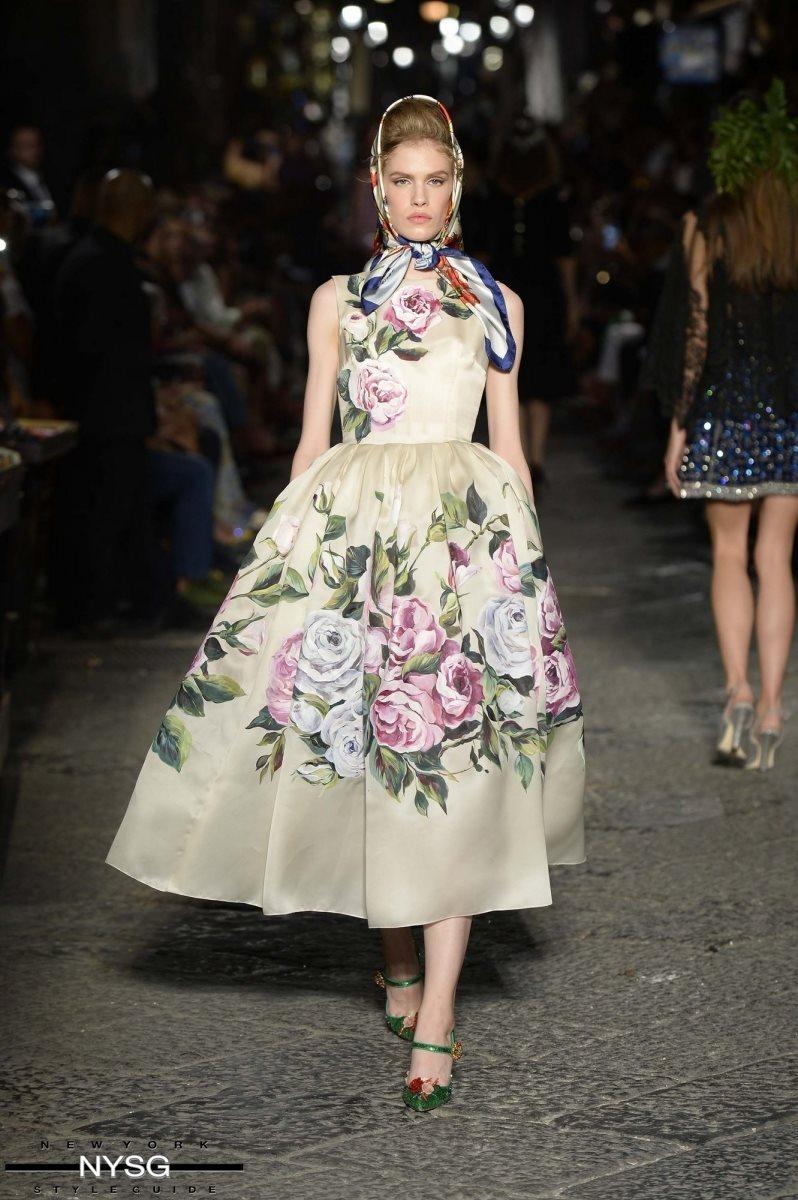 Dolce gabbana showcase their alta moda collection in naples for Alta couture