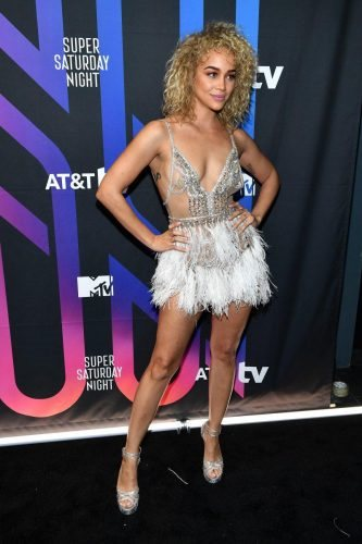 Jasmine Sanders attends AT&T TV Super Saturday Night at Meridian at Island Gardens on February 01, 2020 in Miami, Florida.