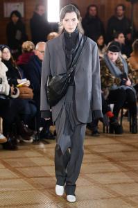 Paris Fashion Week - Lemaire Runway Show Fall Winter 2018 Womenswear 5