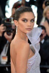 "Actresh Sririta Jensen chose Avakian at the 72nd Cannes Film Festival for the premiere of ""Les Misérables"" 19"
