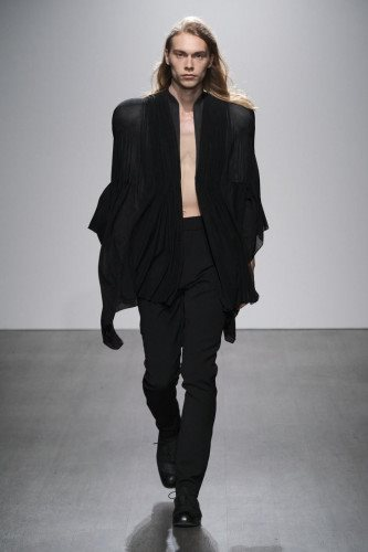 Kaushik Velendra SS21 Menswear Collection - Look 08 - Credit Ph Daniel Sims
