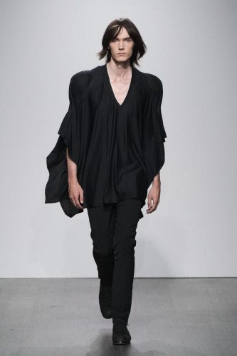 Kaushik Velendra SS21 Menswear Collection - Look 16 - Credit Ph Daniel Sims