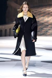 Louis Vuitton Fall Winter 2018 Womenswear 27