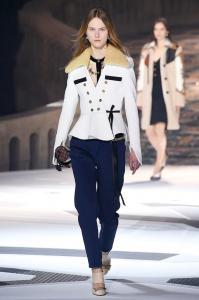 Louis Vuitton 24 0a ale 2438
