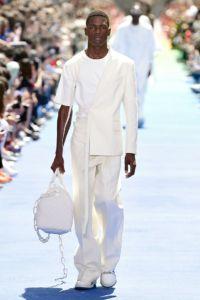 Louis Vuitton 14 43 ale 0990