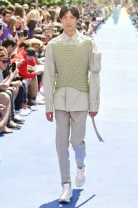 Louis Vuitton 21 52 ale 1072