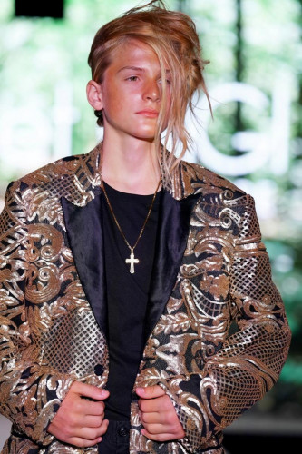 Runway 7 Debuts Lulu et Gigi Couture Spring Summer 2022 Collections