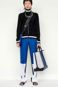 20727D RE19 VR RESORT PRESENTATION LOOK 11