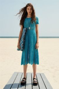20727D RE19 VR RESORT PRESENTATION LOOK 19