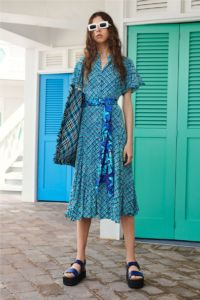 20727D RE19 VR RESORT PRESENTATION LOOK 21