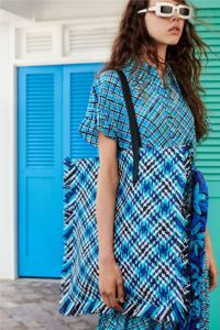20727D RE19 VR RESORT PRESENTATION LOOK 22
