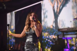 Alisan Porter performing2
