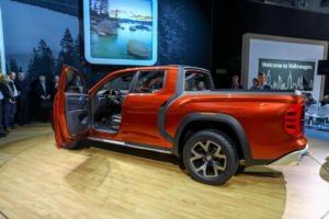 VW Atlas Tanoak concept vehicleA