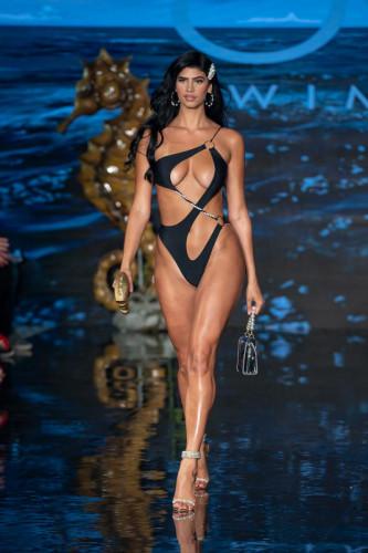 OMG Swimwear Runway Show at Miami Swim Week – Powered By Art Hearts Fashion