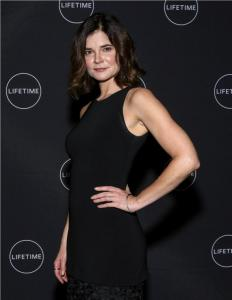 Actress Betsy Brandt  Leeanne