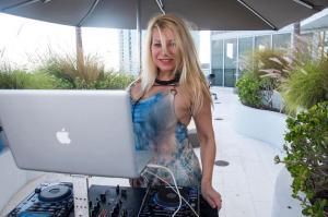 DJ Hanna25