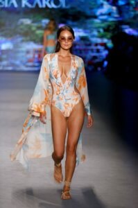 Sinesia Karol Debuts '2020' Capri Collection at Miami Swim Week