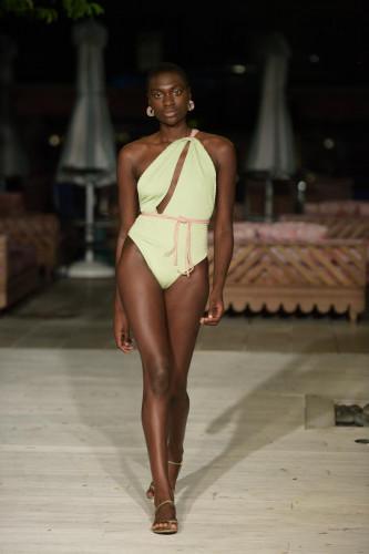 Sinesia Karol Runway Show Paraiso Miami Beach 2021