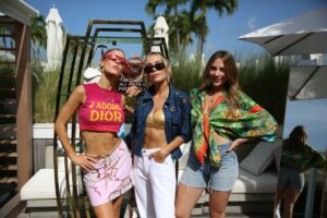Joy Corrigan, Carolina Lindo,  Claudia Vergara