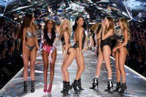 Taylor Hill, Jasmine Tookes, Elsa Hosk, Adriana Lima, Behati Prinsloo, Candice Swanepoel (2)
